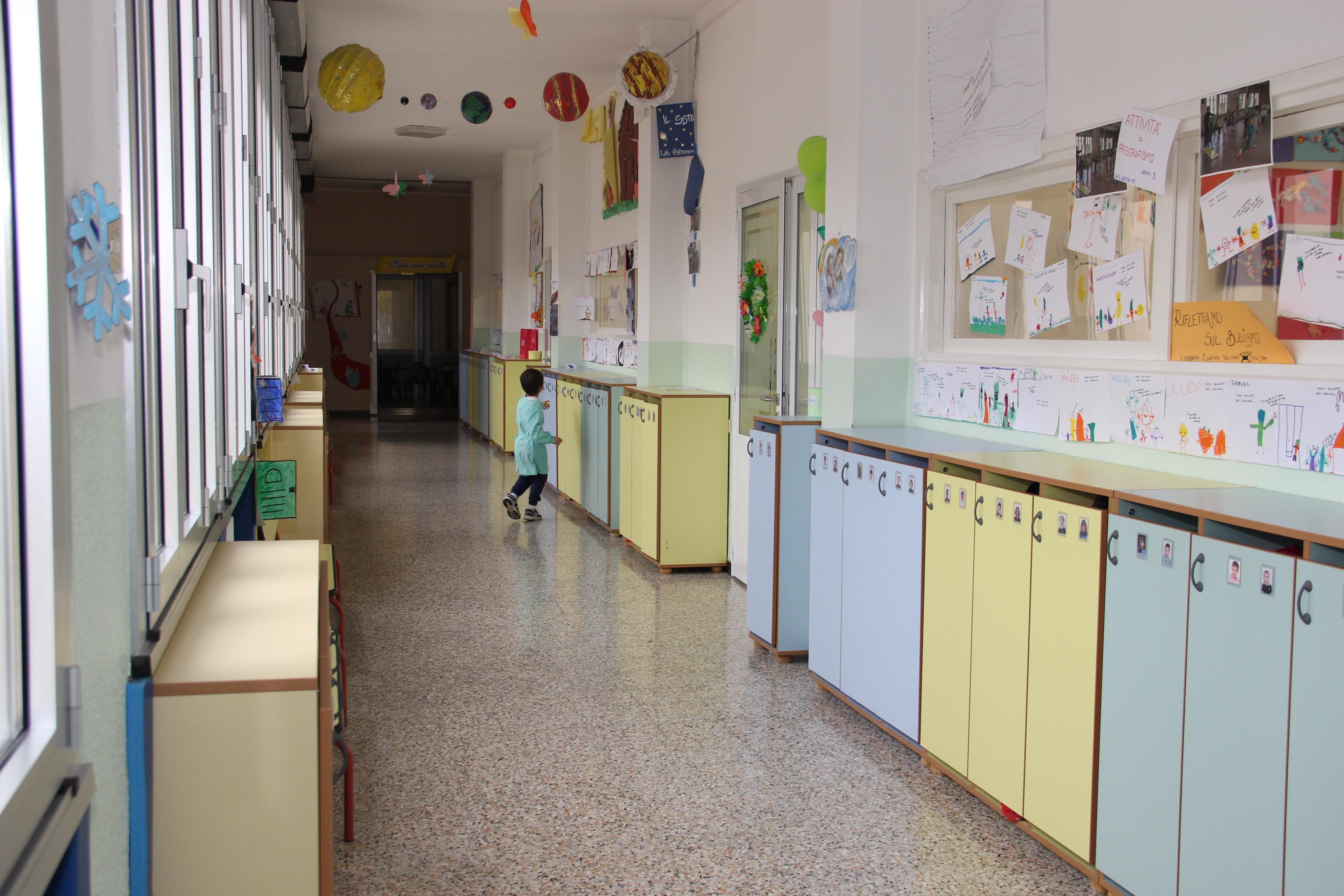 Corridoio con armadietti Scuola Maria Ausiliatrice - Lodi